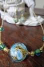 Collier perle artistique tons bleus clair et feuille d'or
